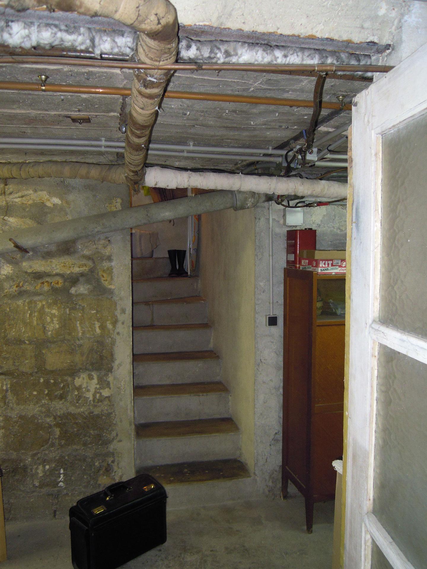 houilles-escalier-cave